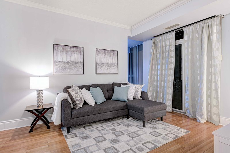 2 Bedroom Apartment In Ovation Towers Mississauga 1513o1 Updated 2021 Tripadvisor Mississauga Vacation Rental