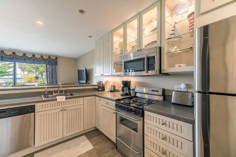 Large full kitchen!