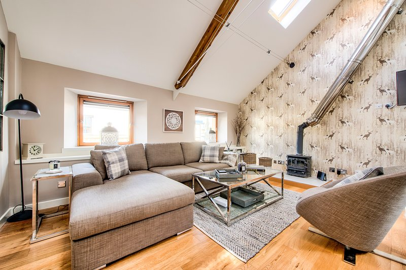 Stunning&Modern 3bedroom Mews House with Parking, location de vacances à Édimbourg