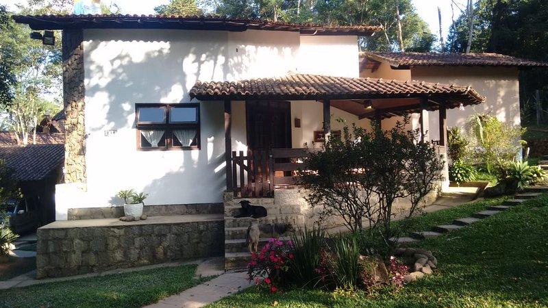 MANSÃO ADONAI NAS CACHOEIRAS DE PENEDO, location de vacances à Queluz