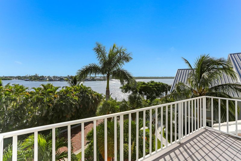 4-Bedroom & 3.5-Bath in Southport Gated Community | Barefoot Beach, vacation rental in Survey Creek