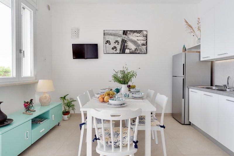 Appartamento Virgilio - Lido Marini, holiday rental in Lido Marini