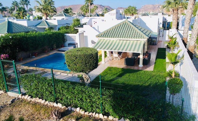 Casa Denzil. Detached villa with WIFI, airco, lovely garden and private pool., holiday rental in San Juan de los Terreros
