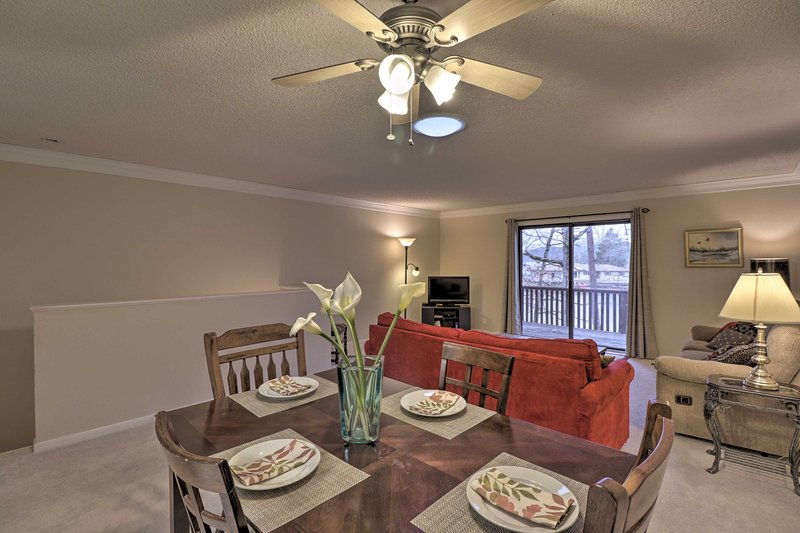 Hot Springs Townhome on Lake Desoto - Private Dock, vacation rental in Hot Springs Village