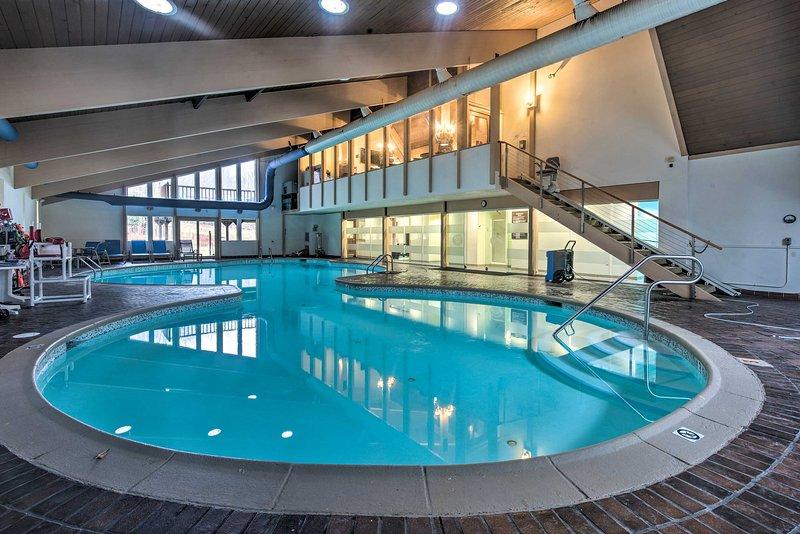 Dê um mergulho rápido na piscina e refresque-se.