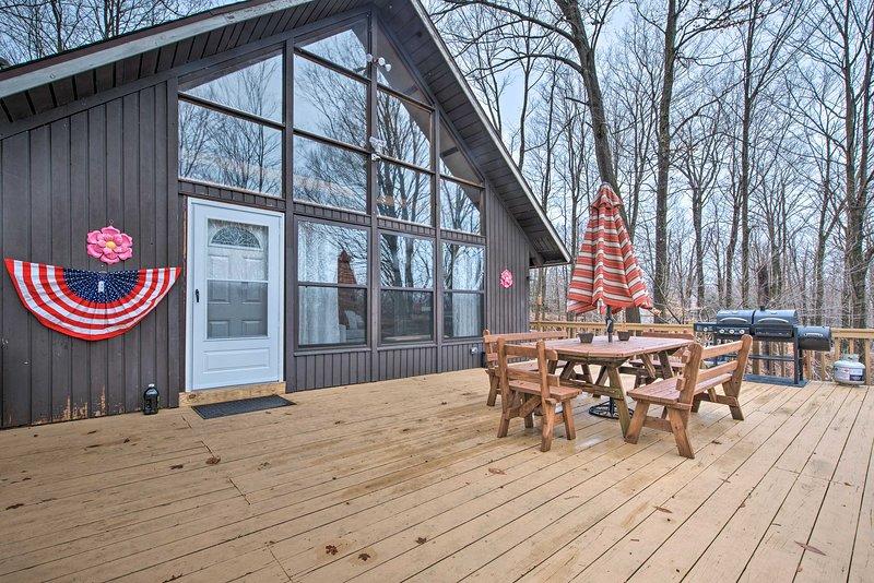 Reúna-se no terraço privado para um churrasco à tarde!