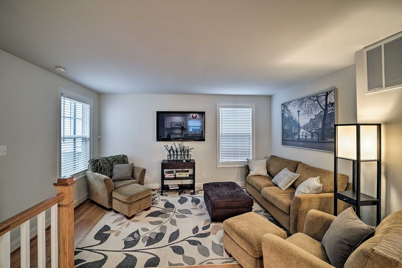NEW! Apartment Near Downtown Mall + UVA Campus!, aluguéis de temporada em Keswick