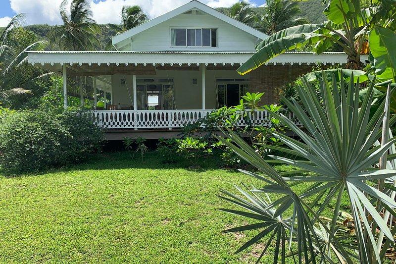 Villa Iris, location de vacances à Cook's  Bay