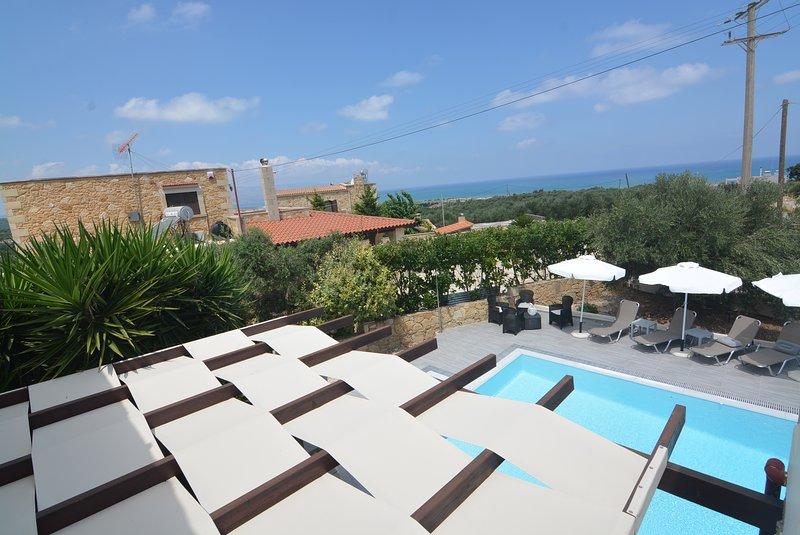 Villa Edem, vues mer, près des plages, barbecue, oliviers et piscine privée ..., alquiler vacacional en Kontomari