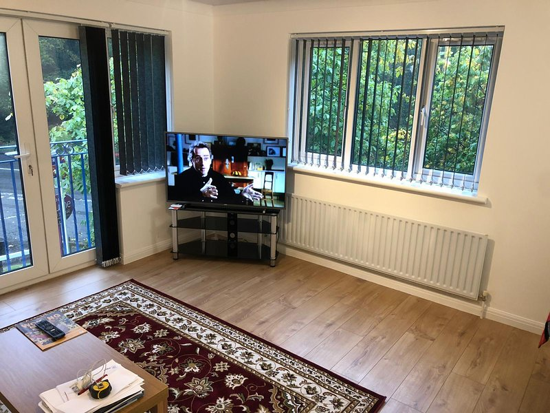 Oaklawn service apartments, holiday rental in Cobham