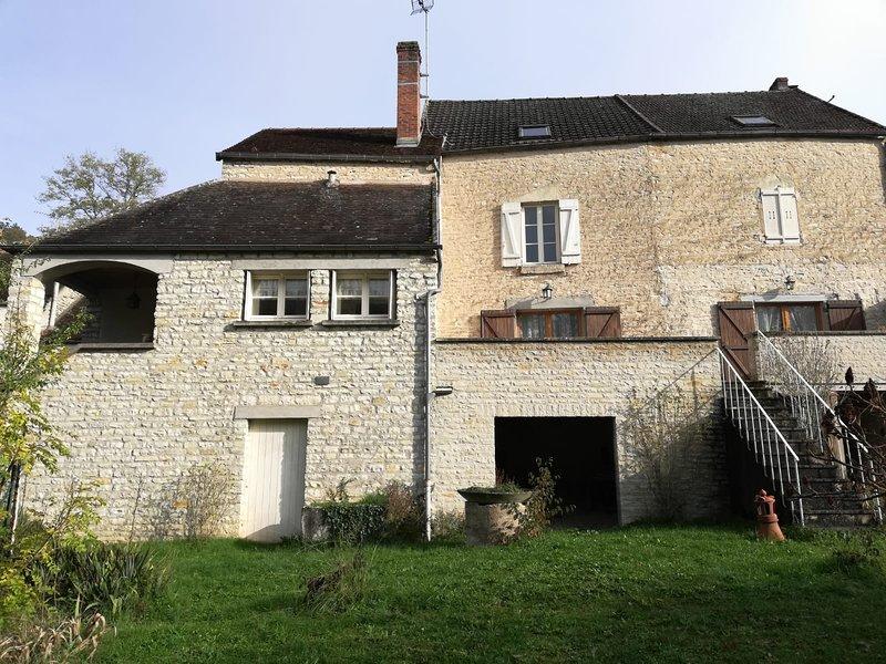 Le puits aux cerfs, maison familliale, holiday rental in Vault-de-Lugny