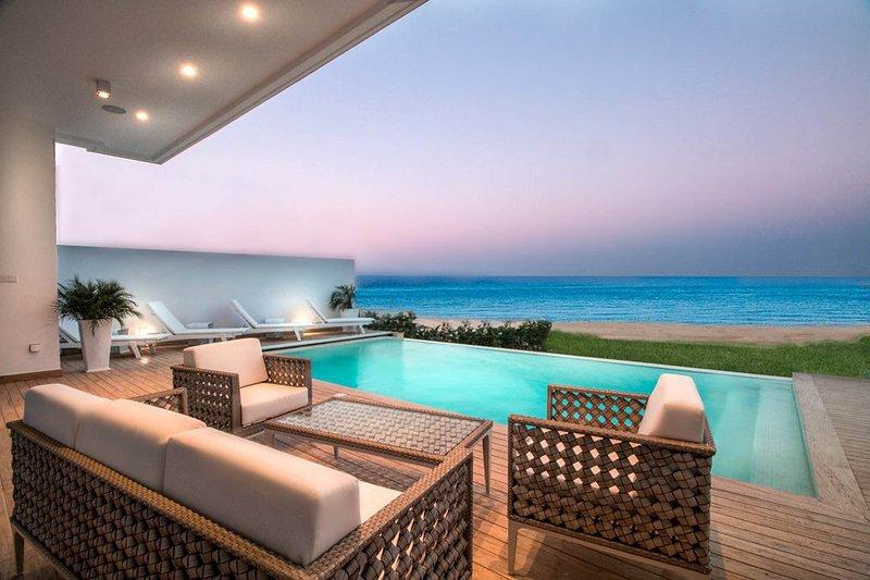 Villa Waves, Ferienwohnung in Pernera