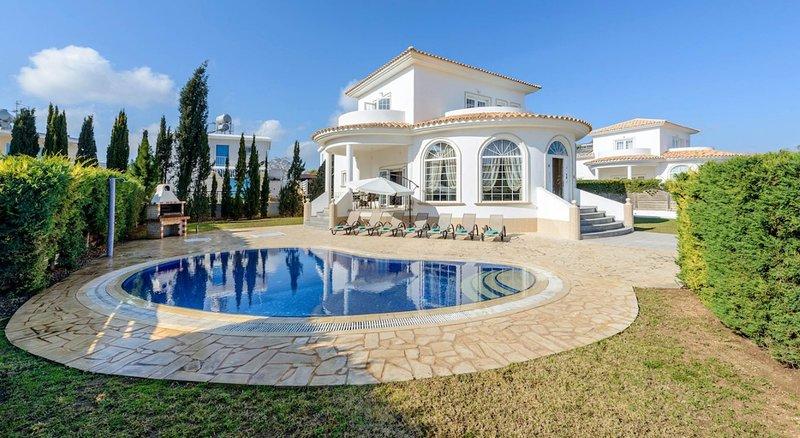 Villa Elysium, vacation rental in Avgorou