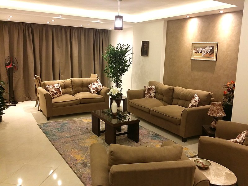 Luxury Furnished Apartment, location de vacances à Le Caire