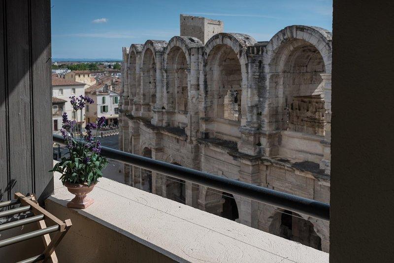 Monolocale con balcone affacciato sull'arena di Arles