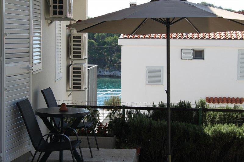 Ferienwohnung 4303-4 für 4 Pers. in Tribunj, location de vacances à Kaprije