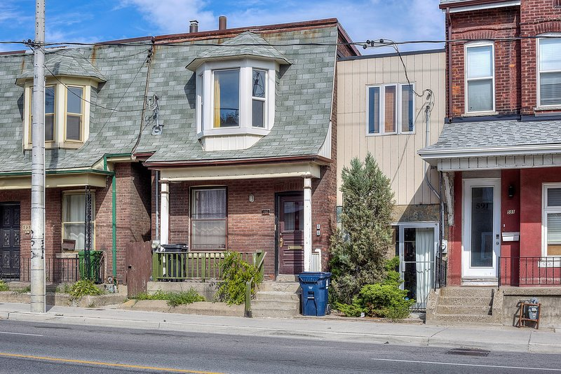 Inviting 3 Bedroom Apartment!, holiday rental in Toronto