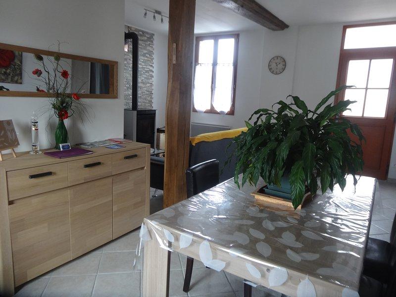 Charmante maison Solognote rénovée, casa vacanza a Nouan-le-Fuzelier