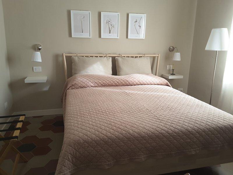 La casa di Caterina - WI-FI free, climatizzazione e riscaldamento inclusi, holiday rental in Messina
