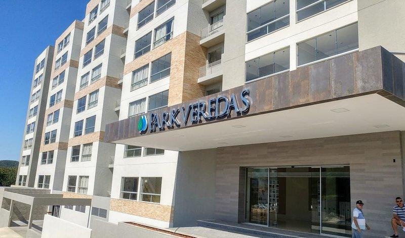 PARK VEREDAS FLAT SERVICE 707, casa vacanza a Stato del Goiás