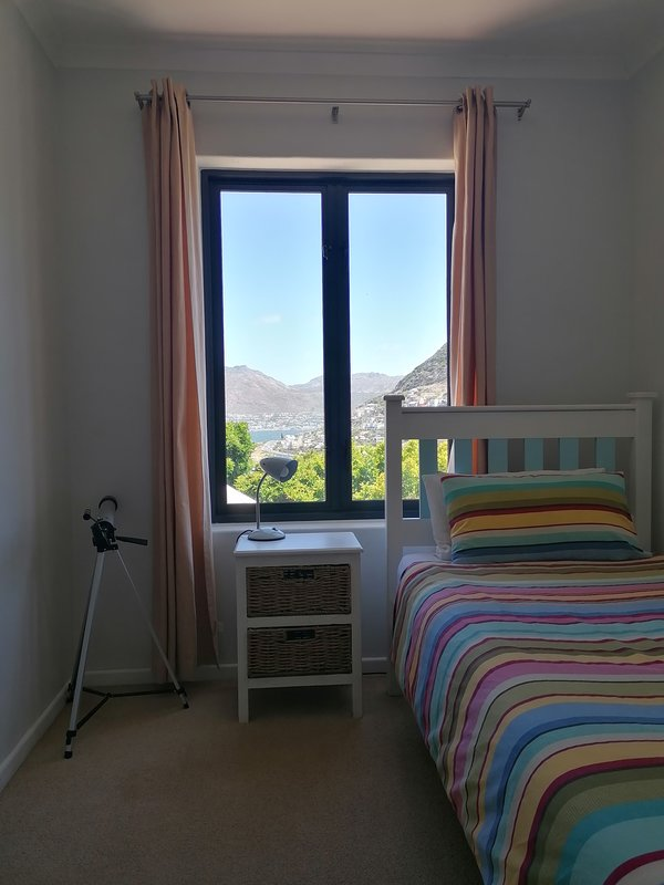 Froont single bedroom