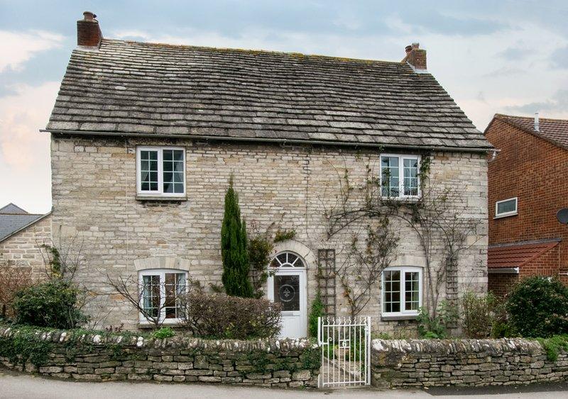 Court Farmhouse, vacation rental in Langton Matravers
