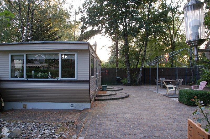 Stacaravan aan de rand van Vakantiepark het Veluwshof, holiday rental in Otterlo