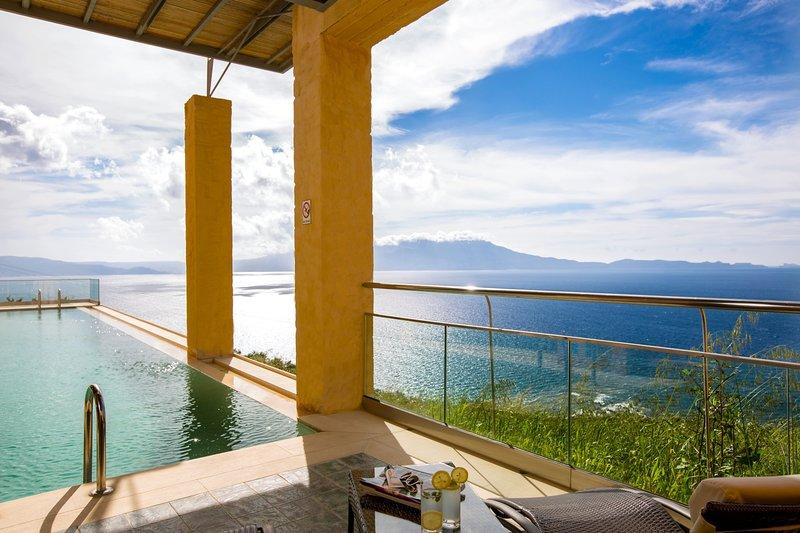 Luxurious design, exclusive, with sea view, location de vacances à Ravdoucha