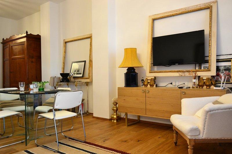 Queen loft Appartamento esclusivo centro storico, holiday rental in Bagnacavallo