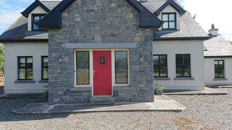The Calves Field, holiday rental in Kylemore