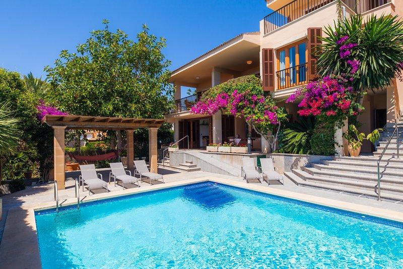 CHALET CALA MURTA, vacation rental in Cala Mandia