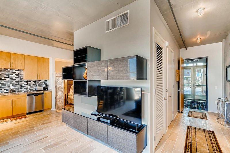 Kürzlich aktualisiert und eingerichtet Wohnung im 6. Stock zum Preis eines Studios.