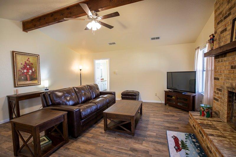 The 2020 Felix Guest Home, location de vacances à Copperas Cove