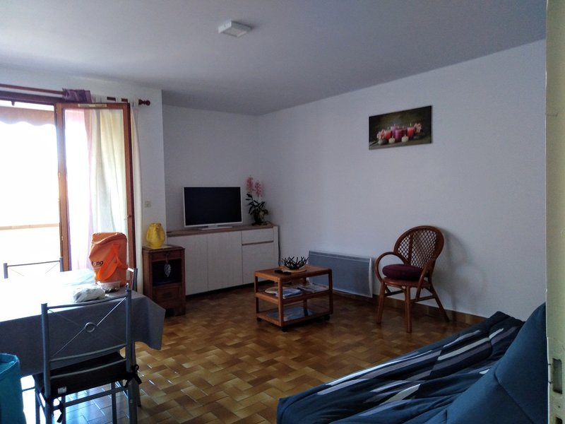 Nice apartment with balcony & Wifi, holiday rental in Fuilla