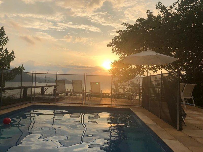 Linda casa em Angra- Condomínio Portogalo, casa vacanza a Angra Dos Reis