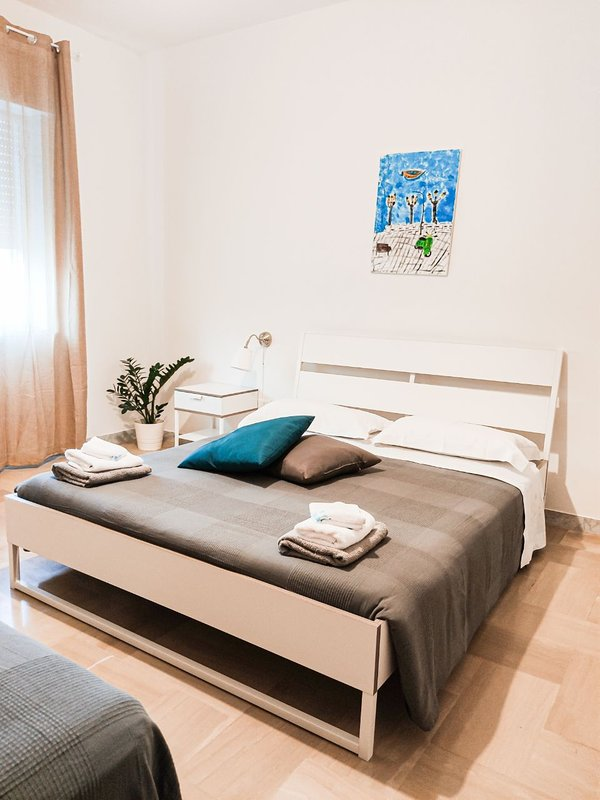 GUEST HOUSE SERVICE - EXPRESS AIRPORT APARTMENT, vacation rental in Toritto