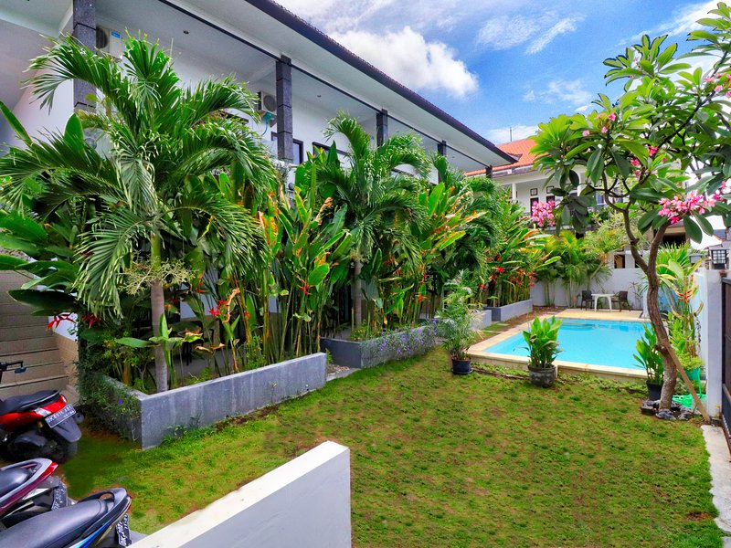 Rise Apartement Sanur No. 7 'Open Promo' with pool, holiday rental in Sanur
