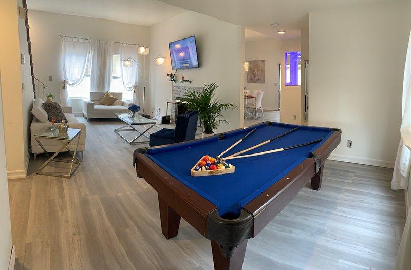 LUXURY HOUSE 13 MIN  TO STRIP 4beds/3bath, location de vacances à Boulder City