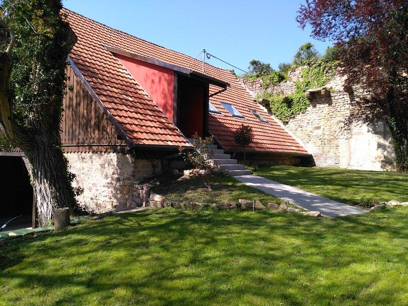 Très joli gîte F2 indépendant à Rouffach, casa vacanza a Guebwiller