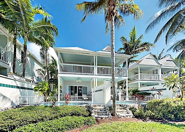 Duck Key Waterfront Villa | Private Pool with Canal View, Kayak & Paddleboard, casa vacanza a Conch Key
