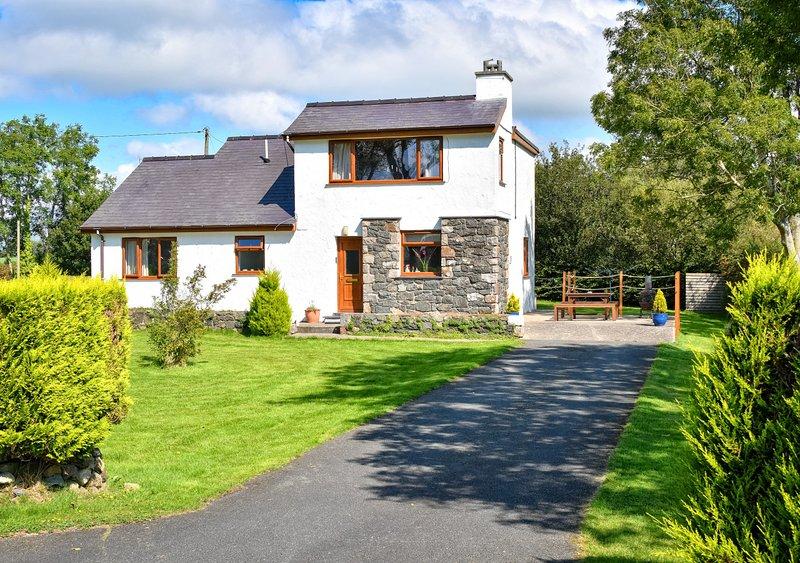Penmaen Bach, holiday rental in Efailnewydd