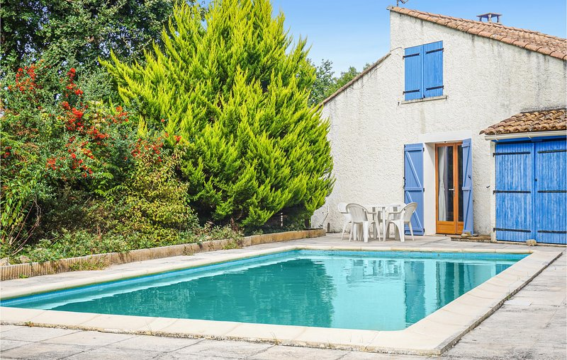 Nice home in Les Aires with Outdoor swimming pool and 3 Bedrooms (FLH339), holiday rental in Bedarieux