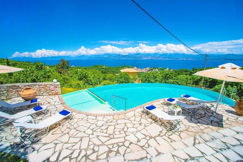 Villa Spiros, holiday rental in Peritheia