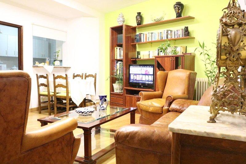 Beautiful house in Salamanca & Wifi, alquiler de vacaciones en Parada de Arriba
