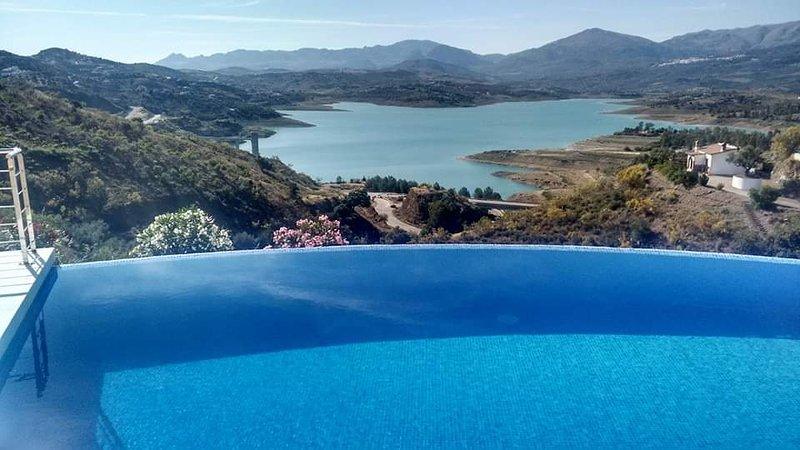Villa Adelfas, alquiler vacacional en Viñuela