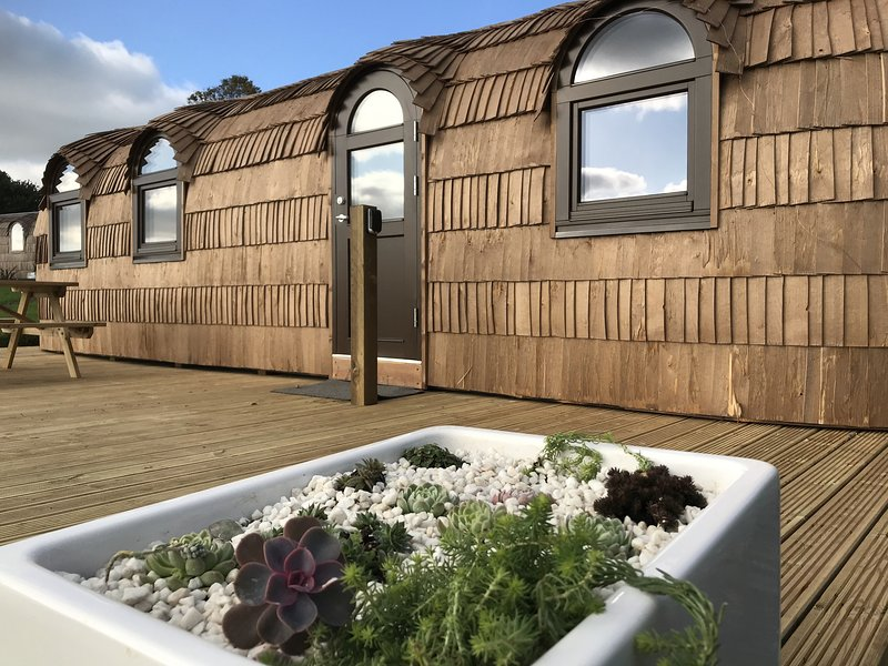 Lydcott Glamping: The Pilchard - luxurious glamping nr Looe, Cornwall, holiday rental in Seaton