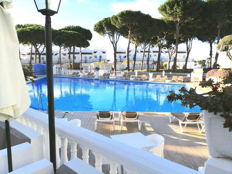 Casa Romero: Beautiful Sunny Private Corner Villa, vacation rental in Marbella