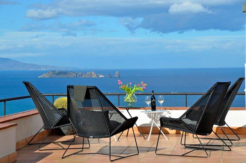Villa with  sea views .12 people.A/C- Private pool, Wifi-Begur, location de vacances à Bégur