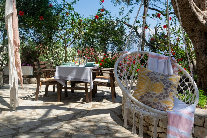 PAXOSBLUE. Pearl, Sea View apartment with private garden., location de vacances à Gaios