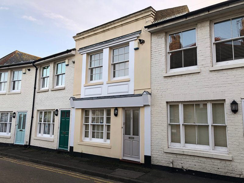Harbour Mews: Central Whitstable, Free Parking, Fast WiFi, vacation rental in Whitstable